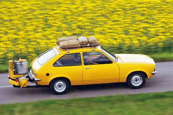 Opel Kadett оснащенный генератором древесного газа
