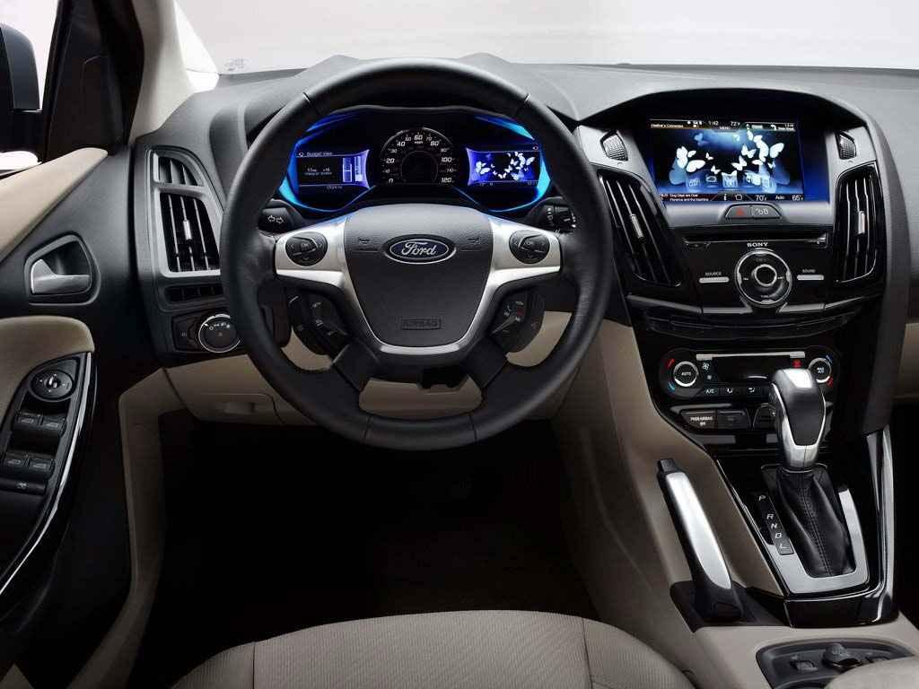 Focus Electric снабжены множеством электронных средств для помощи водителям