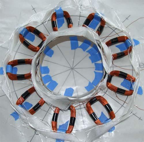 Вокруг катушек помещается стеклоткань