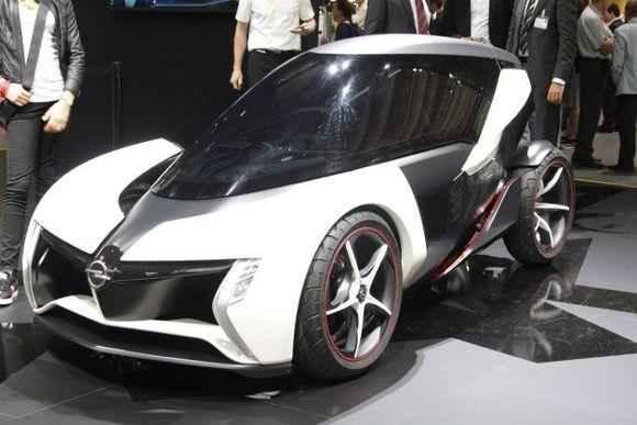 Новый ультрамодный электромобиль на автошоу во Франкфурте
