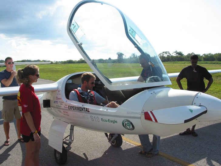 Гибридный самолет Eco Eagle