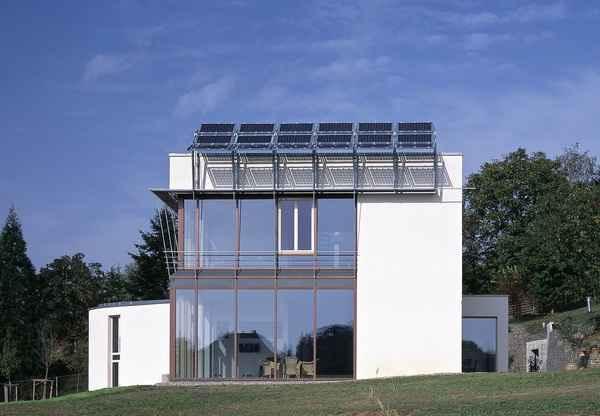 Энергоснабжение нулевого дома осуществляется альтернативными источниками энергии