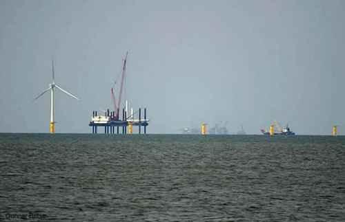 Монтаж первой оффшорной ветроэлектрической установки завершен