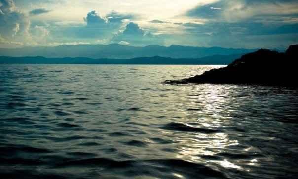 Огромные запасы метана и двуокиси углерода в озере Киву