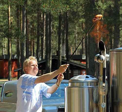 В течение прогрева газогенератора можно жарить колбаску
