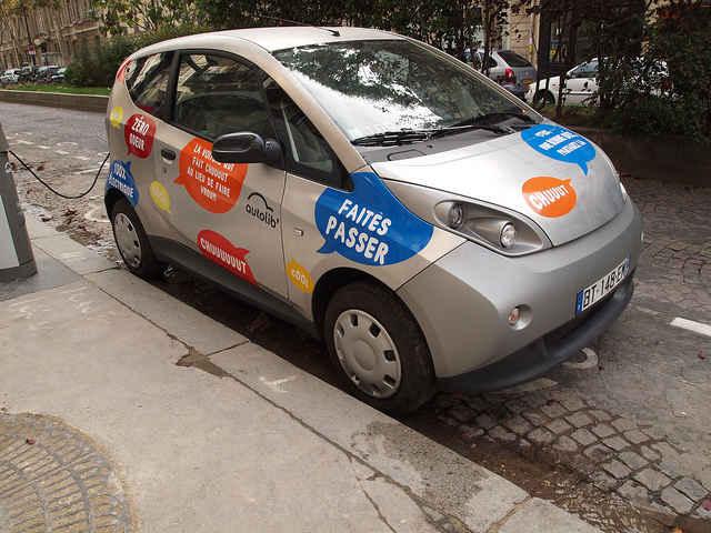 Электромобиль системы Autolib