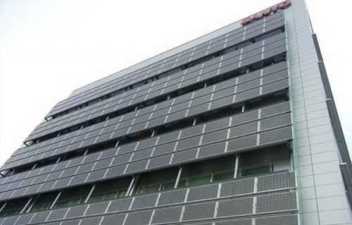 Солнечные панели на стенах