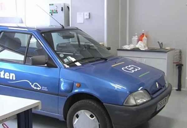 Электрический автомобиль Citroen AX