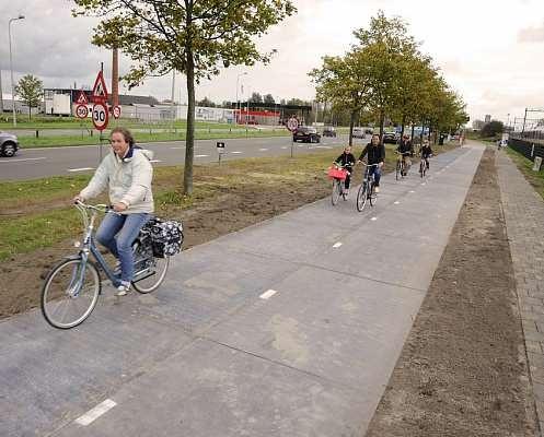 Велосипедная дорожка SolaRoad в действии
