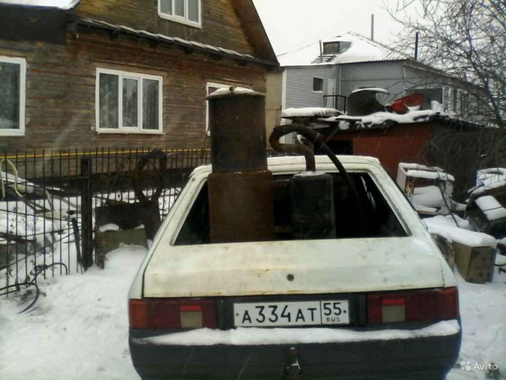 Баки газогенератора в багажнике Москвича-2141